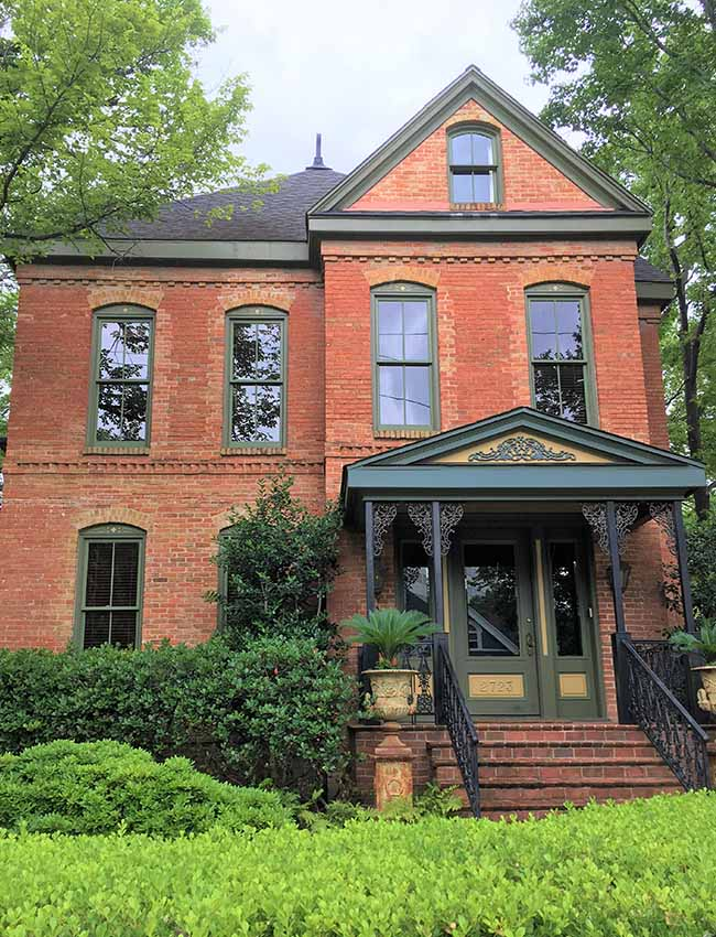 2723 Routh Street becomes the Stroud House and Cour Regard